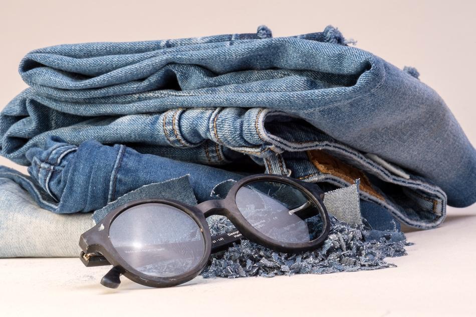 Jeans y anteojo